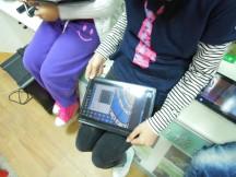 大坪國小的學生已使用平板電腦輔助教學。