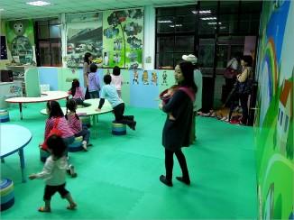 瑞柑國小的夢想屋(Dream World),內有電子白板教學,兼具現代科技又可愛的教室~