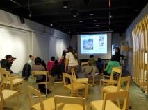 「新匯流基金會」在華山文創園區舉辦「親子共讀遊樂園」,因逢大雨,只有 5 個家庭出席,真是可惜~