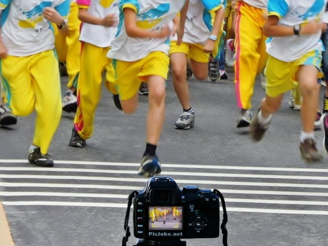 學生環校路跑合成照~ ^^