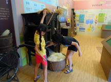 2013.08.11 - 2A 初次參觀以米研磨成粉製作米麵包的「樂米工坊」